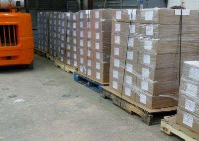 packing pallets and lift